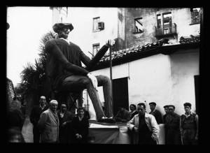 Olentzero de Irun en 1946. Imagen de la fototeca del Archivo Municipal